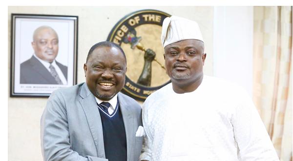 Speaker, Lagos State House of Assembly, Rt. Hon. Mudashiru Ajayi Obasa welcoming his Edo counterpart, Rt. Hon. Ezezobor Justin Okonoboh, during Okonoboh's visit to Obasa in Lagos on Monday.